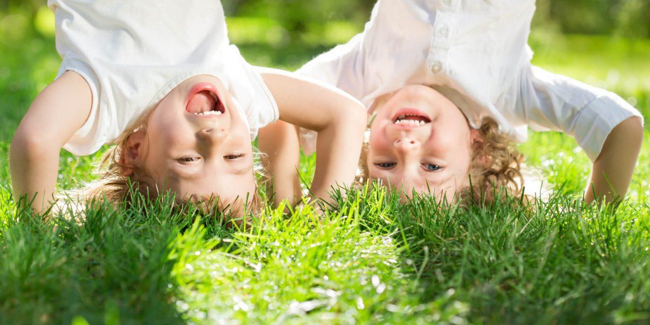 Os benefícios de se ter área verde em casa para as crianças